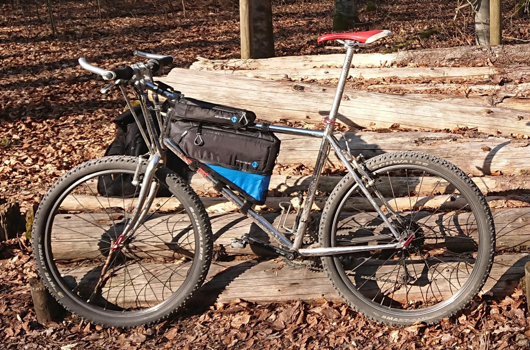 M-WAVE Rough Ride Bikepacking Taschen